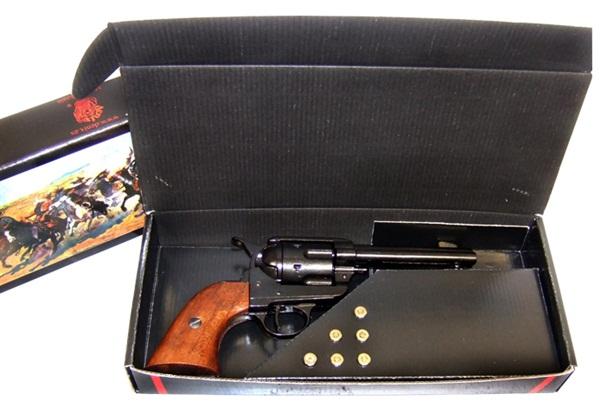 Colt Peacemaker, 100-1186