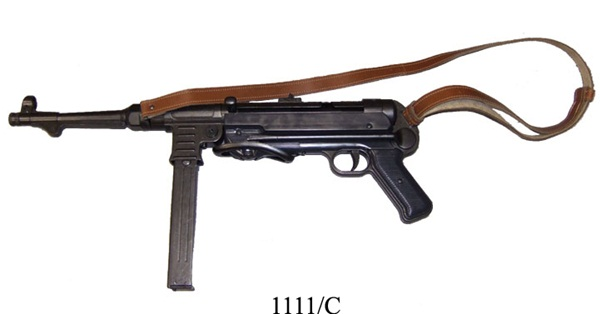 """MP40 """"Schmeisser"""" géppisztoly bőr szíjjal, 100-1111"""