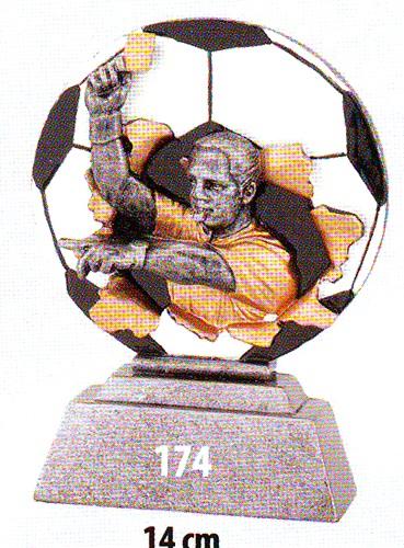 Labdarúgó trófea, játékvezető, 174