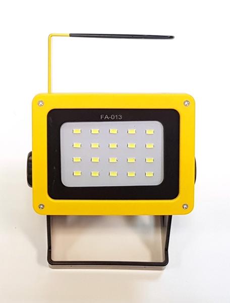 LED Floodlight akkumulátoros szerelő lámpa, 210234