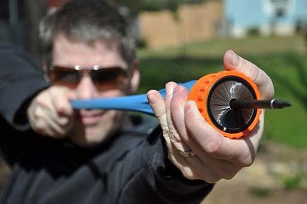 Pocket Shot nyílvessző lövő sörtés kifutó, nyílvesszővel