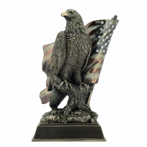 Sas szobor, amerikai zászlóval, 708-6584