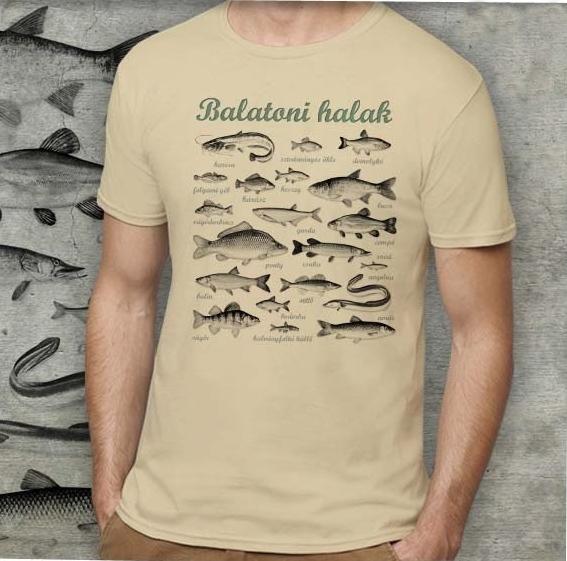 Balatoni halak mintázatú férfi póló, homok
