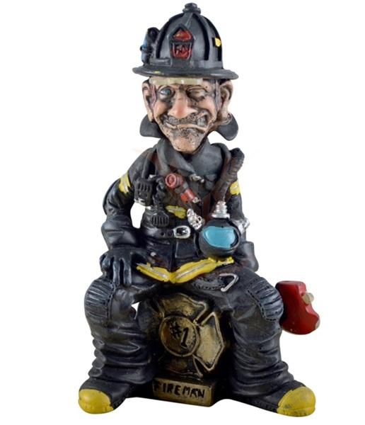 Funny World ülő tűzoltó figura,815-2007