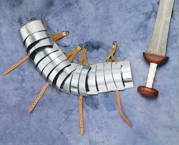 Lorica Segmentata karvédő páncél, 1016385103