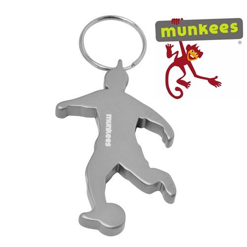 Munkees sörnyitó kulcstartó, focista, 3490